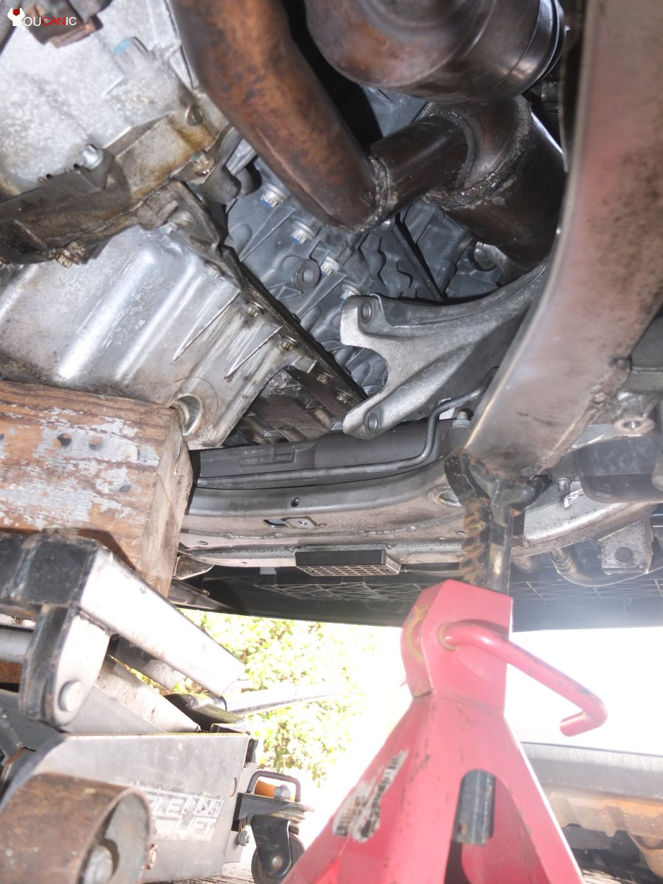 where are the motor mounts on a bmw