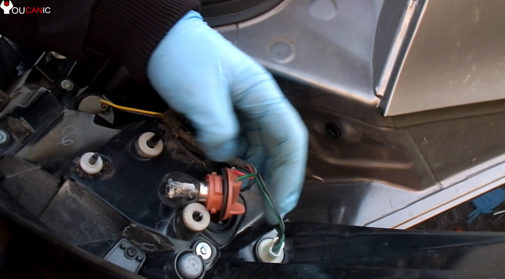 how to replace burned brake light driver passenger hyundai elantra