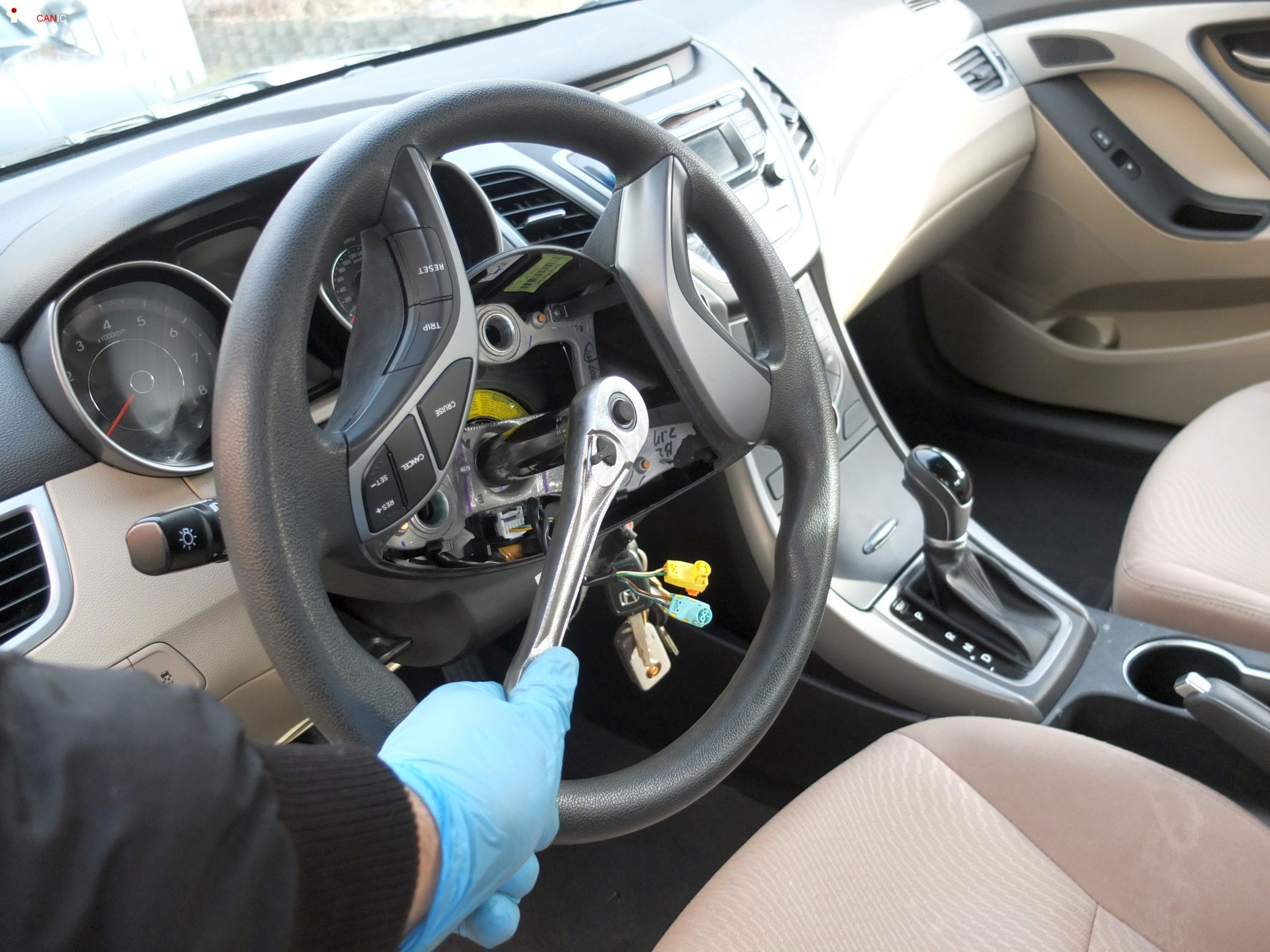 hyundai elantra how to remove driver steering wheel