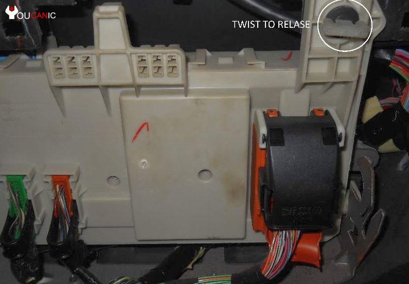 pjb fuses release 06 fuse box mazda 3 2004 2008 complete list Mazda 3 Radio Wiring Diagram at bayanpartner.co